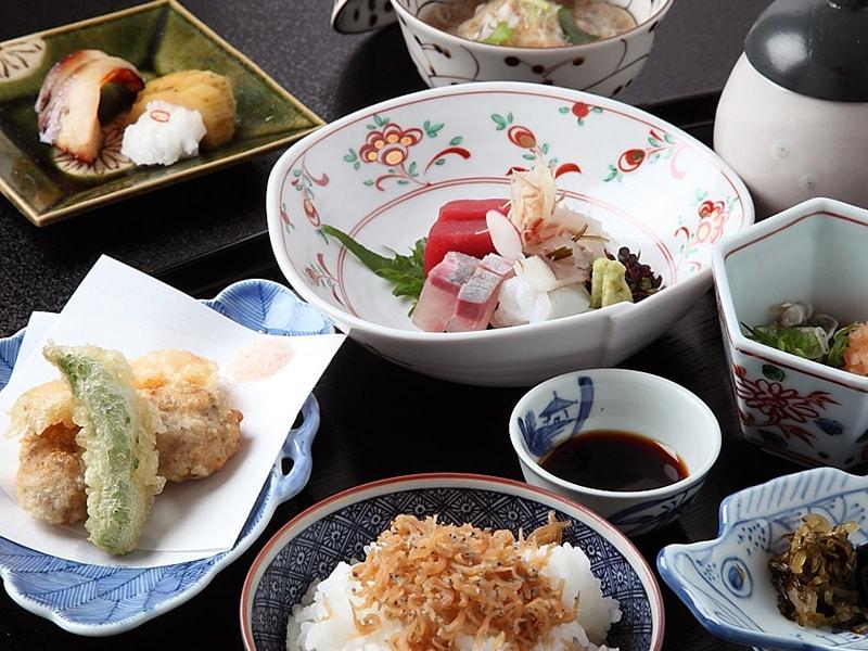 《お得な会席》京都の味覚を味わえるお得なコース(全11品)